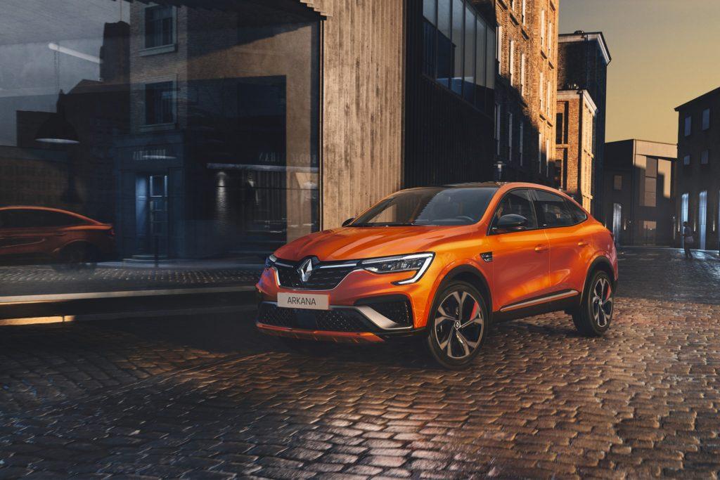 Vous en avez entendu parler, Nouveau Renault ARKANA arrive.  Découvrez un SUV co...