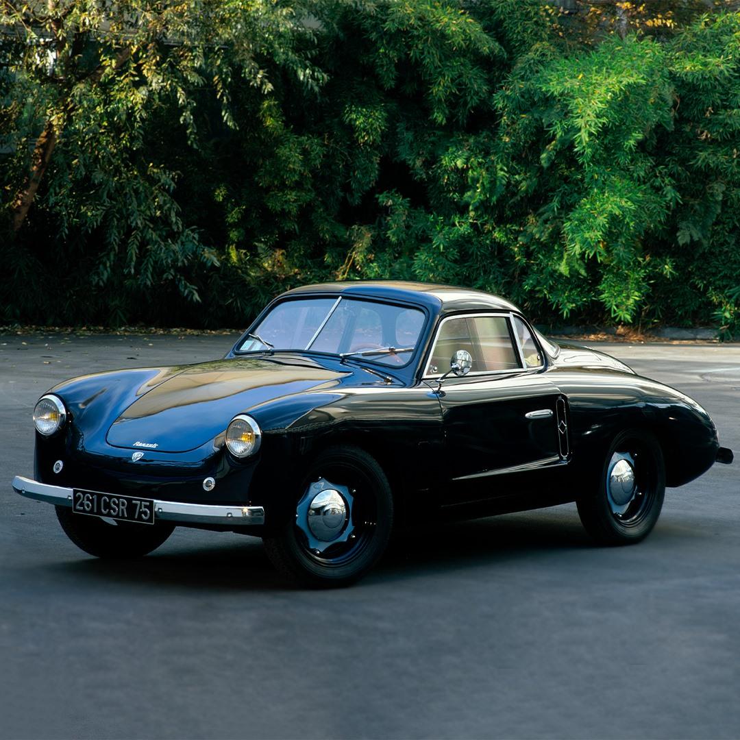 La 4CV Vernet Pairard de 1954 : quelle élégance ! #RenaultClassic   How elegan...